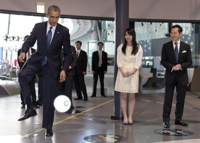 Obama-soccer-640×459