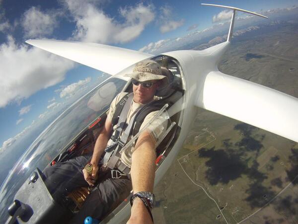 Una Cuenta En Twitter Con Selfies De Pilotos De Aviones De