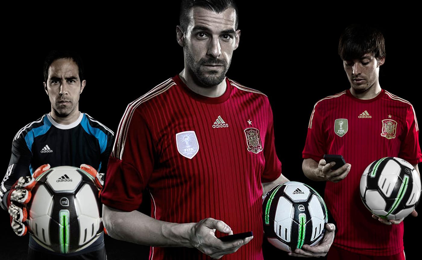 Adidas-Smart-Ball-Players