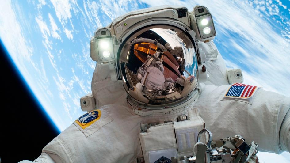 Selfie-in-the-Space