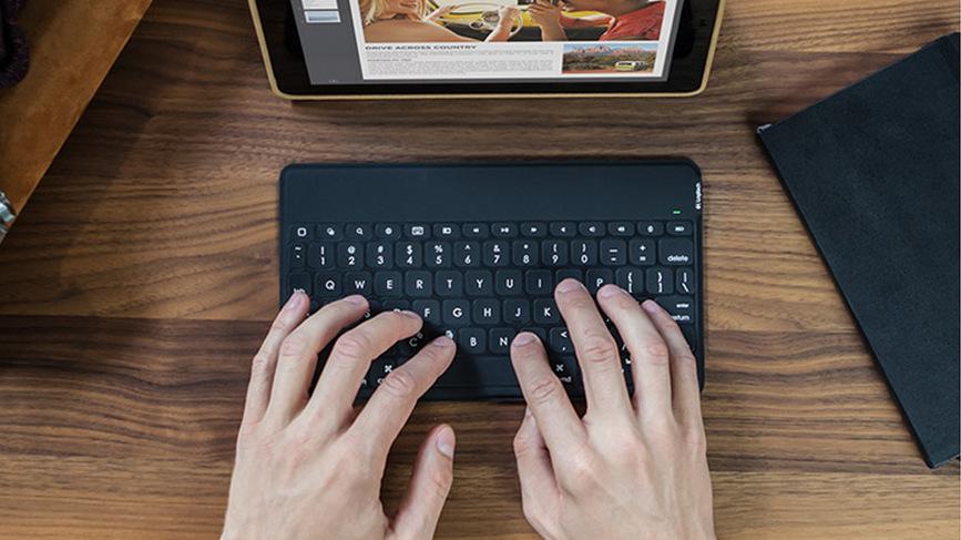 Logitech keyboard (4)