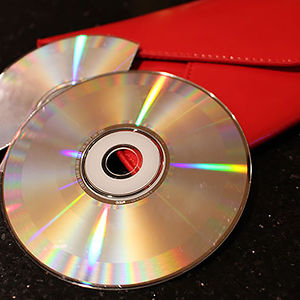 recycled-diy-old-cd-crafts-13-1__300
