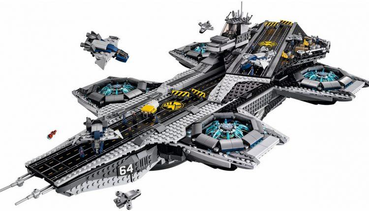 LEGO Marvel SHIELD UCS Helicarrier 76042-1 (11)