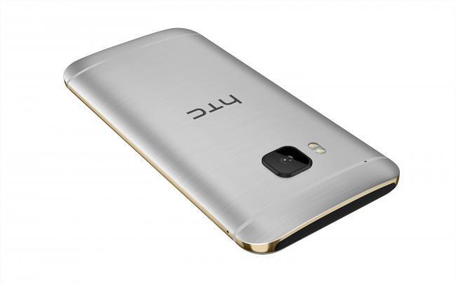 HTC One M9 038