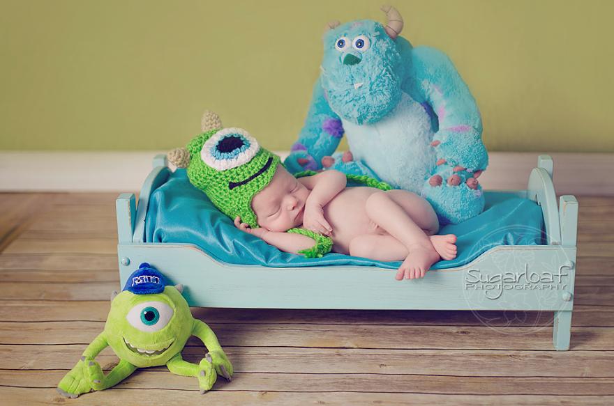 geeky-newborn-baby-photography-38__880