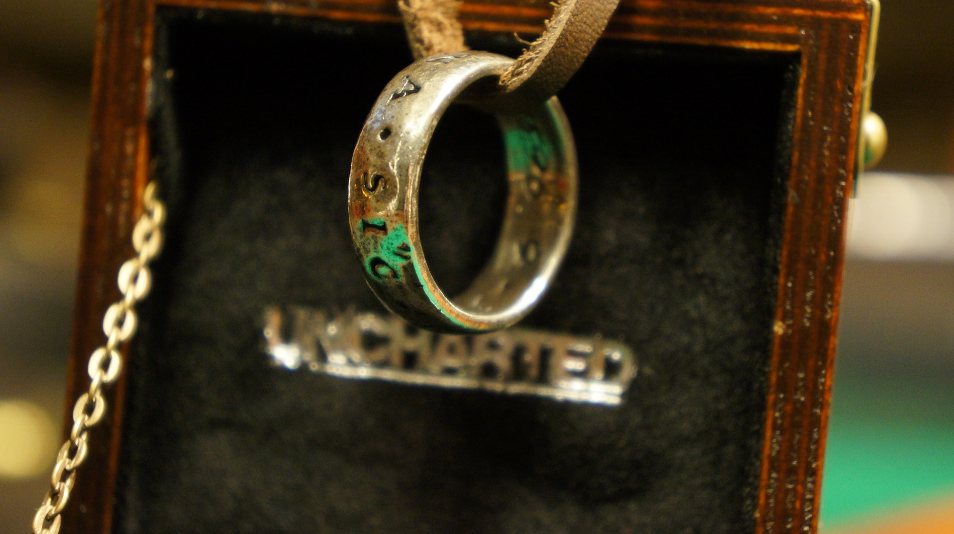 Uncharted ring anillo unboxing2
