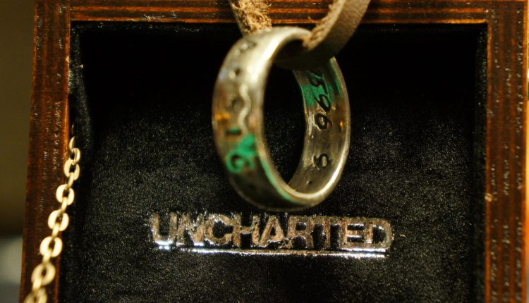 Uncharted ring anillo unboxing3