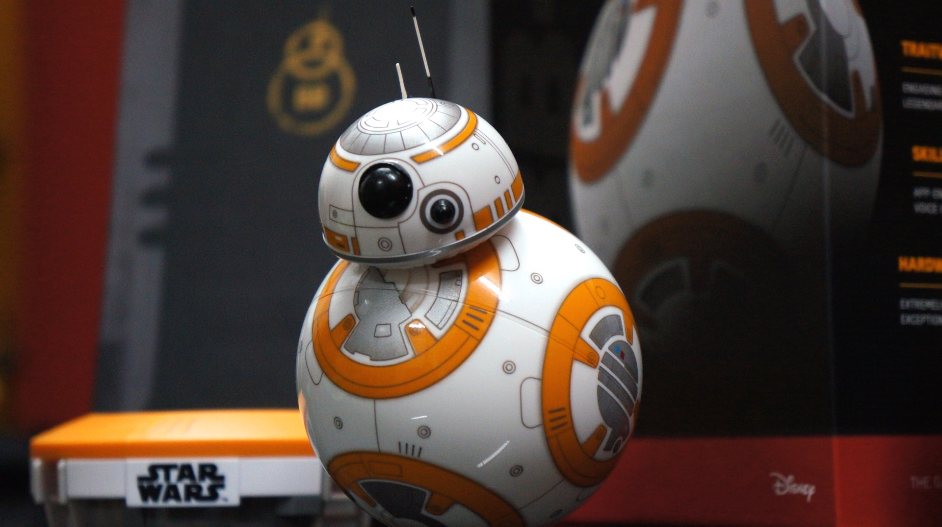 BB-8 unboxing Star Wars4