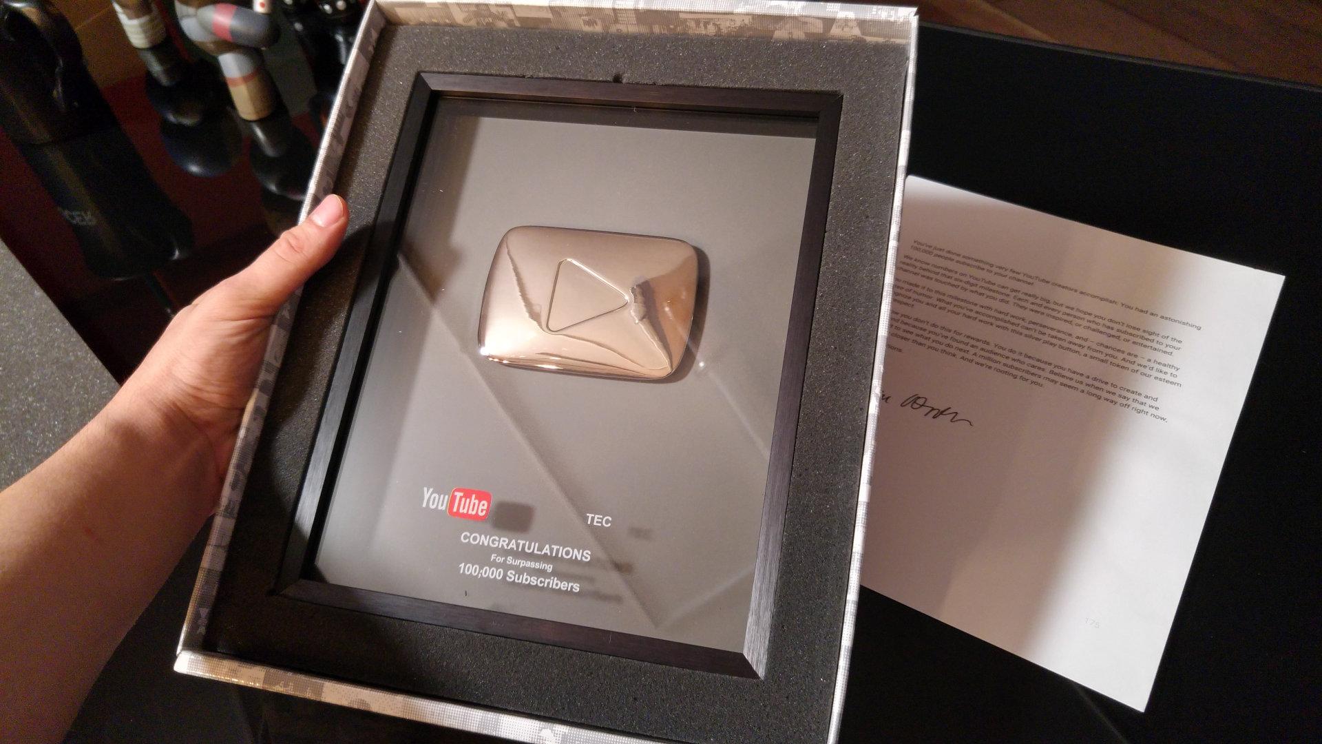 Unboxing Del Premio De YouTube Por Los 100,000