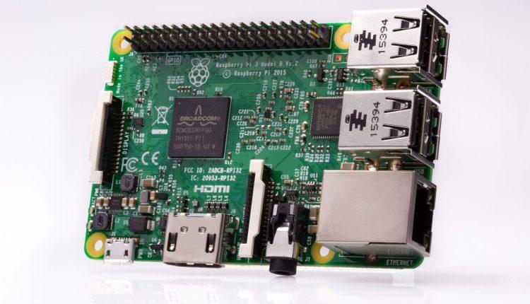 Raspberry-Pi-3-hero-1-1571×1080
