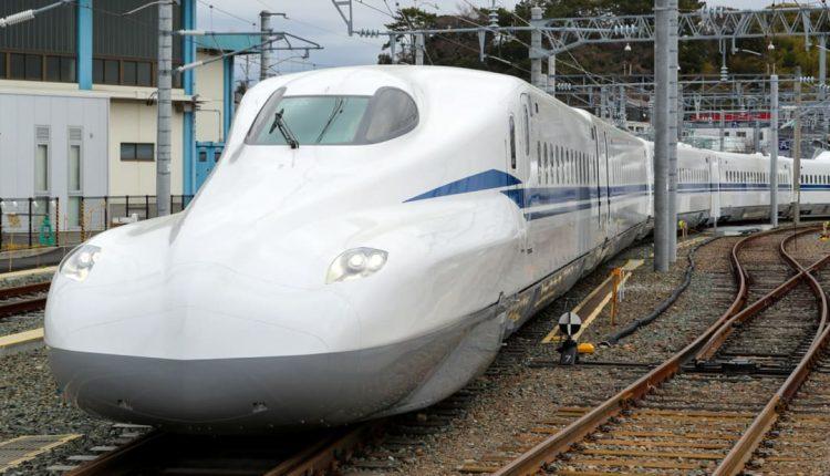 http_cdn.cnn.comcnnnextdamassets180315123710-shinkansen-supreme-n700s