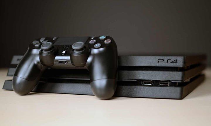 sony-playstation-4-pro-0011-720×720