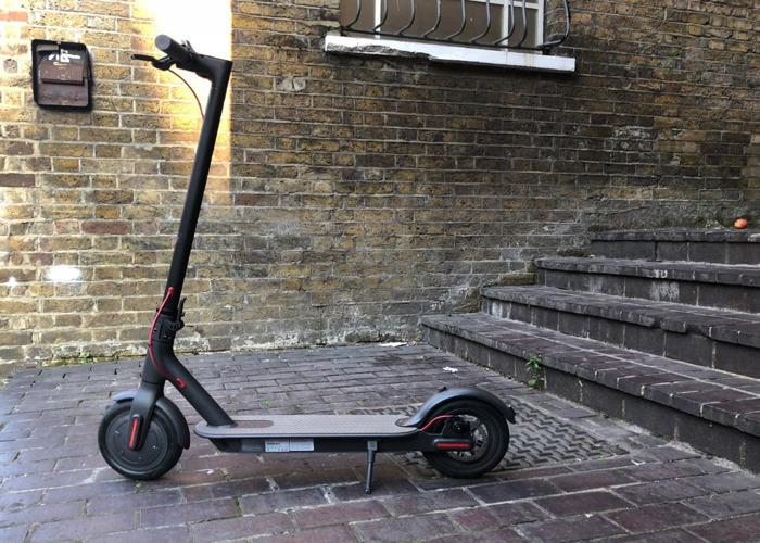 xiaomi-mi-m365-folding-electric-scooter-38359761 - TEC