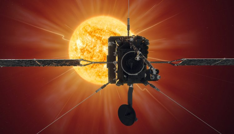 Solar_Orbiter_reaches_first_perihelion_pillars
