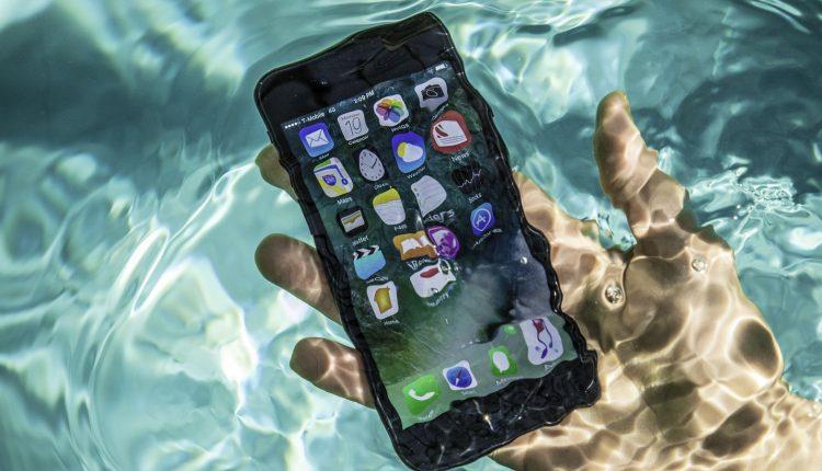 iphone-7-pool-tests-water-splash-0072