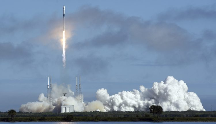 SpaceX Launches Starlink Satellites in Cape Canaveral, USA – 17