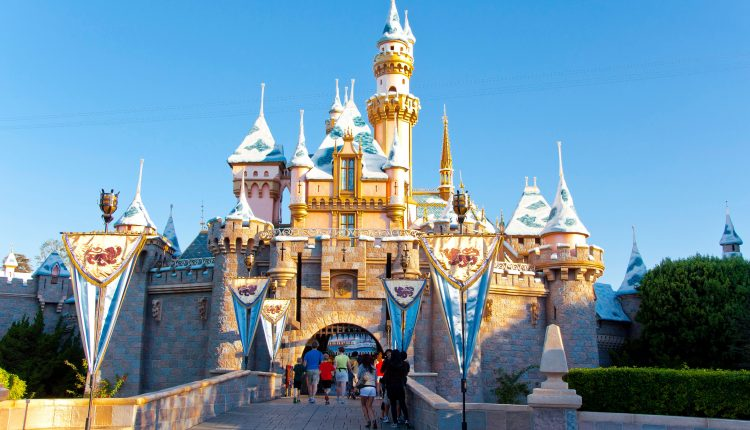 DisneylandCalifornia-D6DEXF