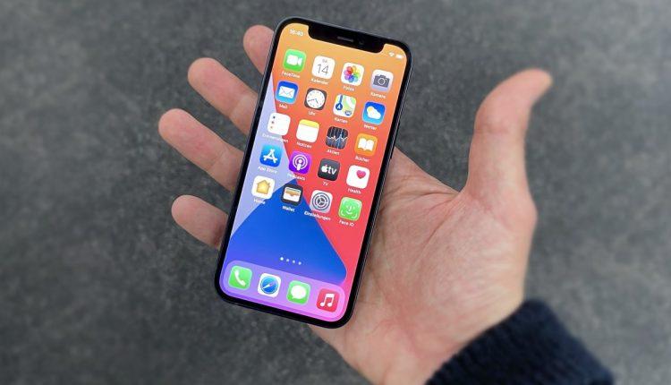 apple-iphone-12-mini-2020-01-q_giga-rcm1200x800